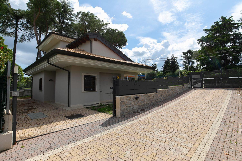 Vendesi Villa, Villa Unifamiliare Tuscolana Frascati Vermicino - Annunci  Frascati (Roma) - Rif.7600